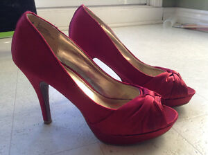 Chaussures rouge en satin/Red Shoes