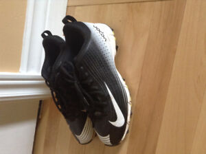 Nike youth baseball cleats for sale - Dieppe