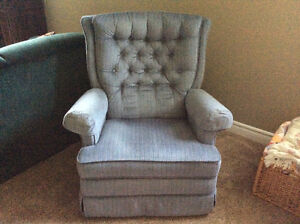 RECLINER CHAIR VERY GOOD CONDITION