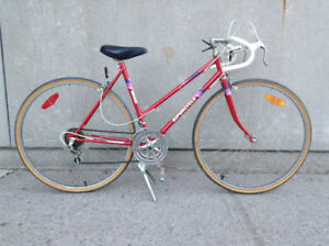 Ladies Vintage 10 Speed Road Bike - Supercycle Mirage - medium