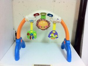 Fisher Price VTech Sunny Face Smart Gym Kitchener / Waterloo Kitchener Area image 2