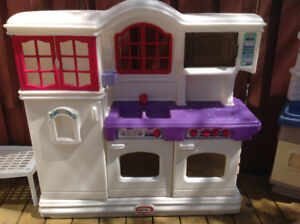 Little Tikes Victorian Kitchen Buy Sell Items Tickets Or Tech