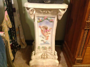 VICTORIAN STYLE PLANT STAND