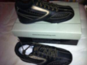 Men's size 8 Etonic bowling shoes
