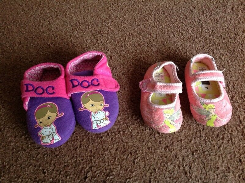 Girls slippers Tinkerbell 6-7 and Dc Mcstuffin 8-9