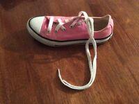 Girls pink Converse's