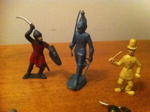 Set of Plastic Medieval Knights Toy Soldiers Cambridge Kitchener Area image 5