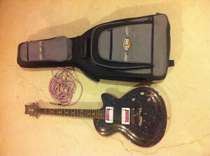 Daisy Rock Electric Guitar. Comes with case, cable, and stand Peterborough Peterborough Area image 3