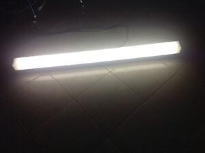 48 inch fluorescent lights London Ontario image 5