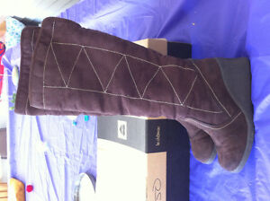 Women's suede brown boots -size 6