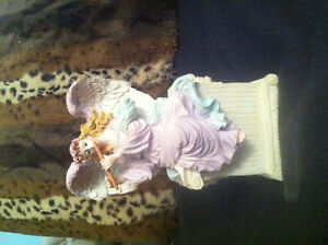 Angel Statue Music Box, worth $40 selling for $10