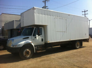 2004 INTERNATIONAL 4300 DT 466