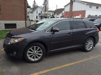 2010 Venza AWD, loaded with VERY low km