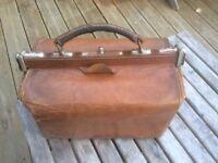 Gladstone leather bag £30