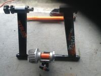 Jet black hydro gel fluid turbo trainer and riser/ trainer tyre cycling.
