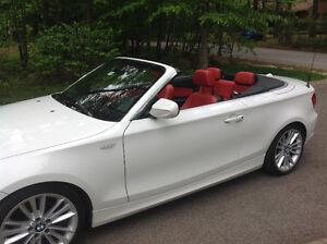 **Bas kilométrage** 2011 BMW 128i Convertible blanche