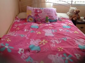 Peppa pig reversible duvet set p pig go glow story projector and p pig time teaching clock.
