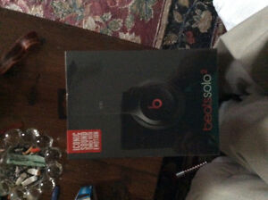 Dr.dre Beats solo 2 headphones -still in packaging-