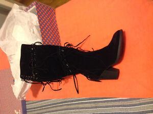 Tassel boots(New)