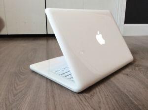 MACBOOK 4GB RAM, 500GB HDD, OS X 10.10, WARRANTY INCLUDED!!