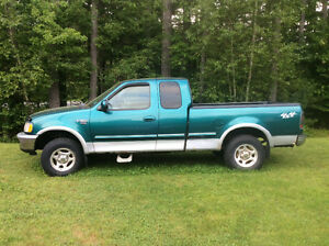 1998 Ford F-150 SuperCrew Pickup Truck