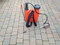Garden backpack sprayer