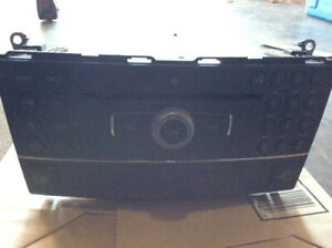 Mercedes C 300 2009 Cd Player     $ 200