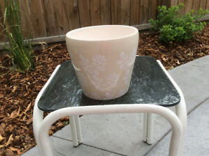 WHITE FLOWER CERAMIC POT; excellent condition; 7 inches wide X 6