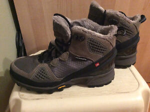 New price - New Balance 1000 insulated boots for sale