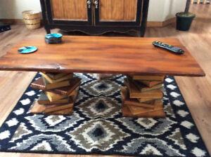 Ensemble tables de salon /Living room set of wood tables