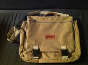 Altera Trading Corporation Laptop Bag. Sarnia Sarnia Area image 1