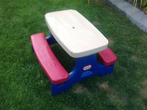 Kid's Picnic Table (Little Tikes)