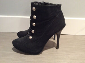 Anne Michelle sz7 Black Heeled Boots