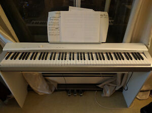 Casio PX-130 Digital Keyboard