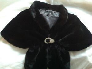 Brand new Black Fun Fur Wedding cape, beautiful clasp!!