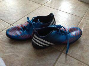 Great quality multipurpose soccer shoes
