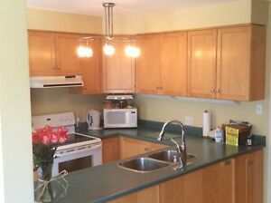 *** Sunny Family Home *** 3 Bed, 3 Bath, SW Barrie