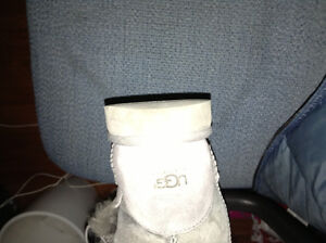 Ladies Genuine UGG boots size 5 for sale London Ontario image 2