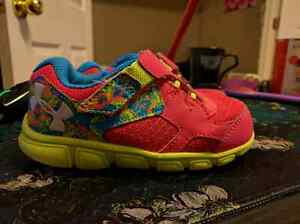 Toddler girls 8 under armour shoes, like new