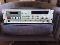 Fostex D-20B DIGITAL MASTER RECORDER