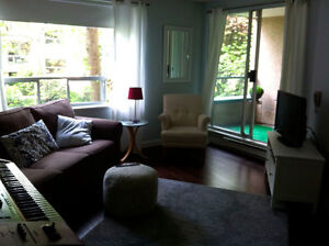AUGUST LONG WEEKEND beautiful furnished 1 bedroom condo westend