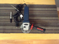 Meuleuse Bosch 4/12 pouces (41/2 inch angle grinder)