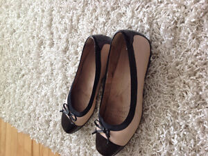 Clark ballerina beige and black shoe