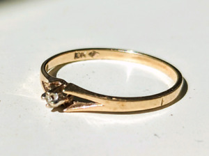 Small (REAL!) Diamond Ring, 10K Gold, size 5.5