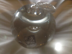 VINTAGE GLASS PAPER WEIGHT / DECORATION