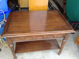 Perfect condition solid oak side table with drawer for sale