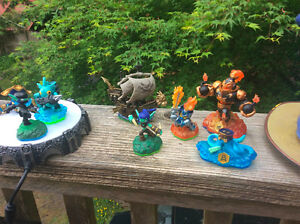 Skylander figures and platform, with dvd's