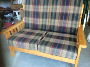 Riverview Settee
