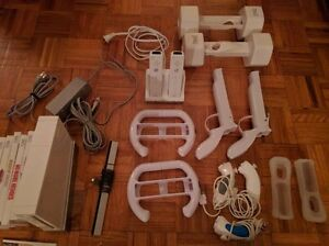 Nintendo Wii, with multiple controllers, Wii fit plus, 22 games Kingston Kingston Area image 2
