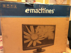 emachines TFT LCD Flat Panel Monitor 18.5 inches